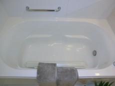 浴槽も広々