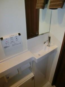 手洗いカウンターも設置されています