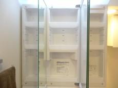 トキワパレス 3面鏡の横は一面収納