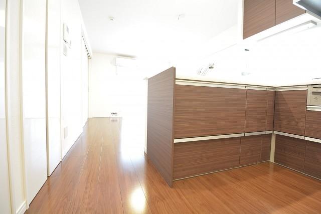 ストークマンション三田 約12.0畳の明るいLDK