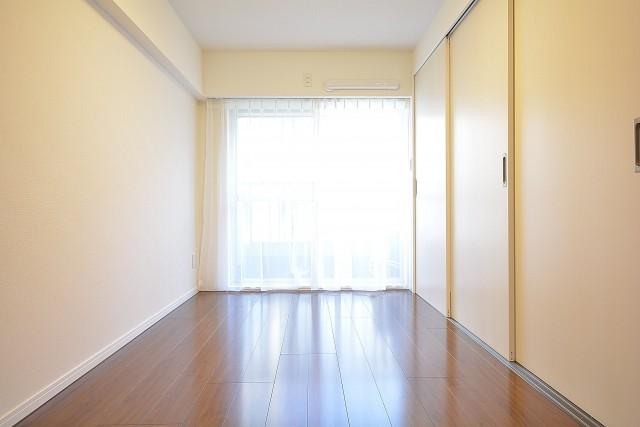 ストークマンション三田 約5.5畳の洋室