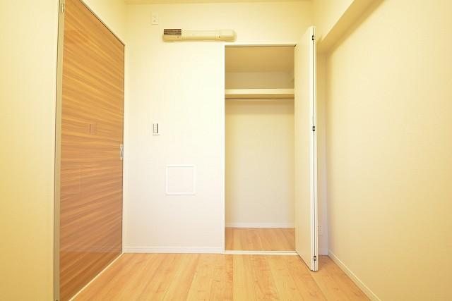 玄関に一番近い洋室のクローゼット