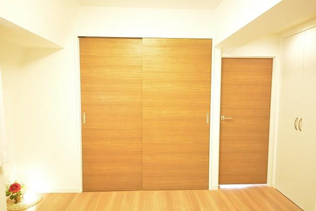 リア・マンシオン晴海 洋室の扉
