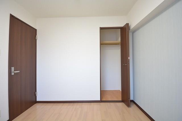 大森パークハイツ 約4.7畳の洋室のクローゼット
