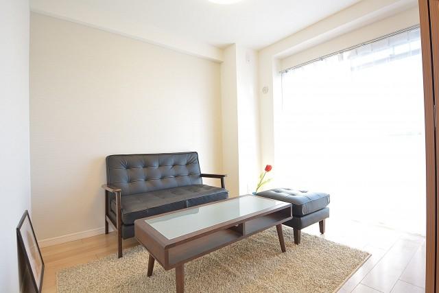 秀和南品川レジデンス 約4.2畳の洋室