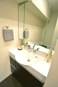 光建ハイムブリリアンス日本橋浜町四番館 ノーリツ製の洗面化粧台