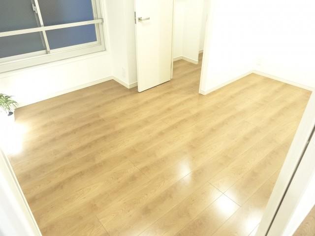 第1恵比寿マンション 約5.7畳の洋室