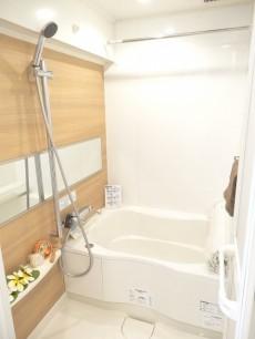 追い焚きと浴室換気乾燥機能付き