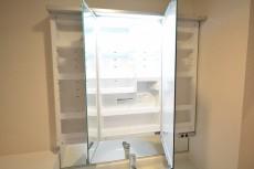 洗面台三面鏡 キャビネット収納