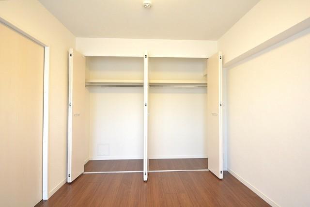 浜町グランドハイツ 約6.1畳の洋室のクローゼット