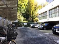 クレール三田 駐輪場&駐車場