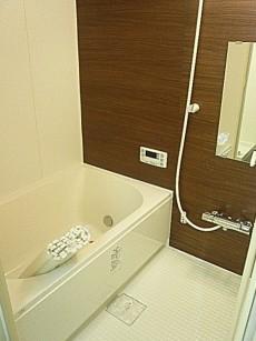 柿の木坂パレス 追炊き・換気乾燥付き浴室です。