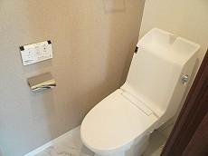 田園調布サニーハイツ ウォシュレット付トイレです。