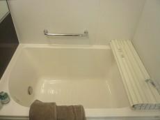 田園調布サニーハイツ 追炊き機能付き浴室。