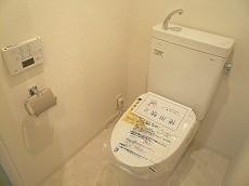 藤和用賀コープ 洗浄便座付きトイレです。