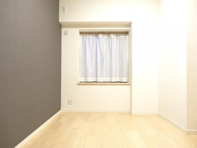 約4.9畳の洋室