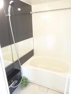 追い焚き&浴室乾燥機能付きバスルーム