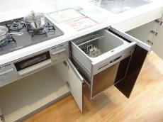 キッチン収納と食洗機