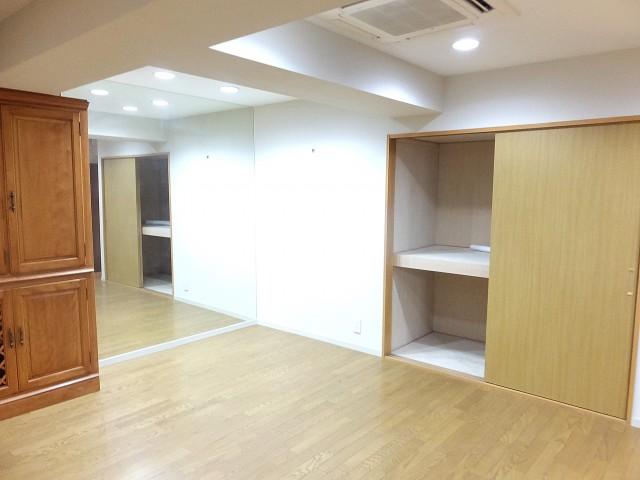 赤坂アーバンライフ 洋室