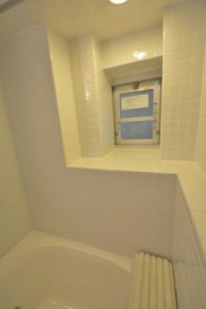 月島四丁目住宅 バスルーム窓