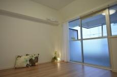 ラインコーポ箱崎 約6.3畳の洋室