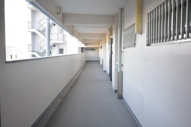 中央マンション 共用廊下