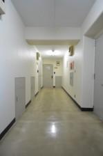 芦花公園ヒミコマンション 廊下
