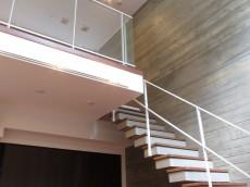 グラントレゾール広尾 ベッドルーム階段105