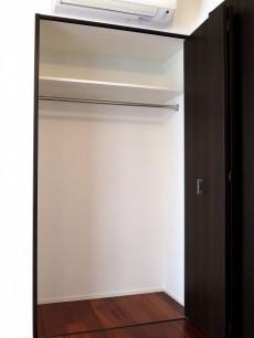 グラントレゾール広尾 ベッドルームのクローゼット