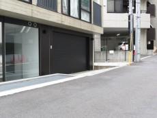 グラントレゾール広尾 ガレージ入口105