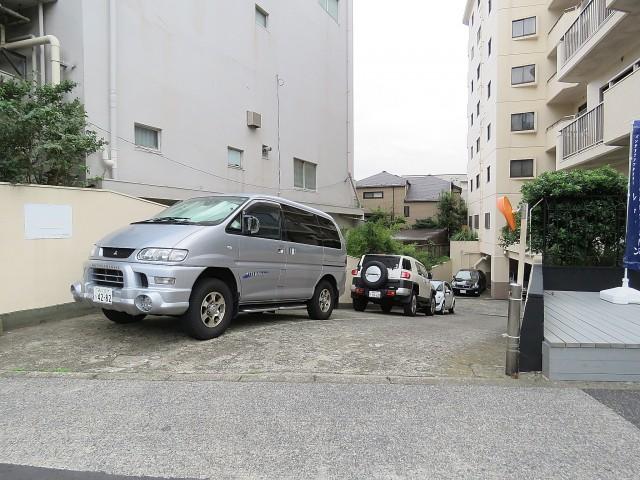 自由ヶ丘センチュリーマンション 駐車場