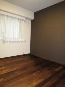 グレースプラザ若松町 洋室