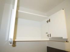 アイタウン・レピア トイレ上部には吊戸棚