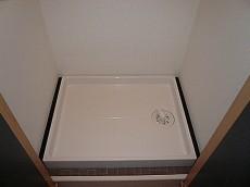 六本木東豊エステート 洗濯機置き場です。