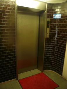 渋谷コーポラス エレベーターです。
