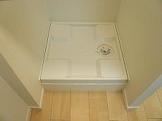 駒沢コーポラス 洗濯機置き場です。