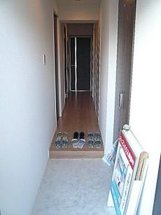 ニックハイム中目黒 スッキリとした玄関ホール