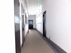秀和若林レジデンス 共用廊下
