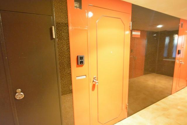ストークビル赤坂 玄関602