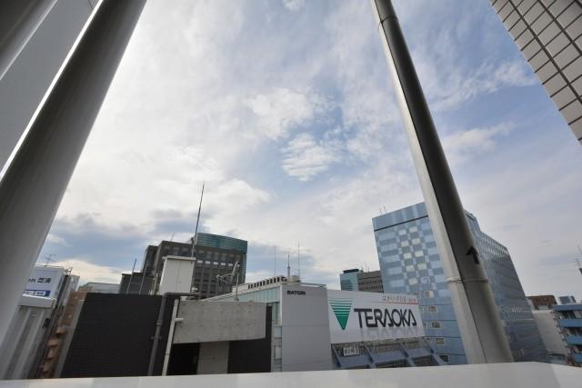 プレミアムキューブ三田 玄関前眺望
