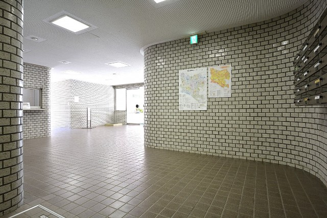 成城エコーハイツ エントランスホール