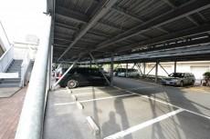 多摩川芙蓉ハイツ 駐車場
