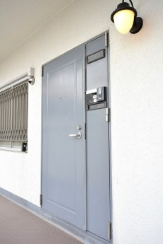 大森西サンハイツ 玄関扉