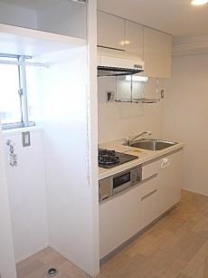 洗濯機置き場+キッチン