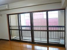 六本木グランドール LDK窓