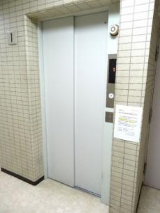 ラインコーポ箱崎 エレベーター