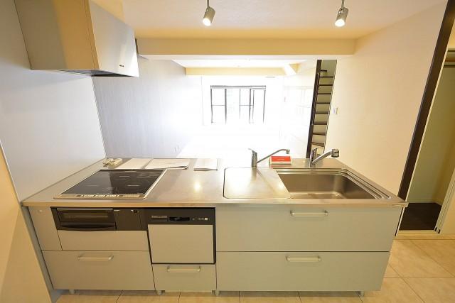 南青山グリーンヒルハウス キッチン