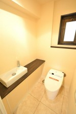 南青山グリーンヒルハウス トイレとクローゼットのホール