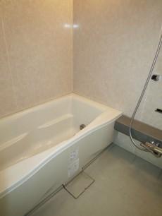 浴室換気乾燥機付のバスルーム