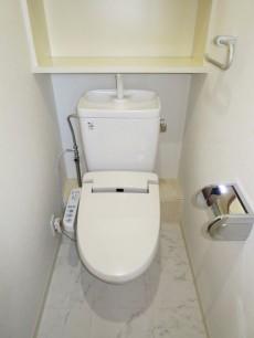 スカーラ四谷 ウォシュレット付のトイレ